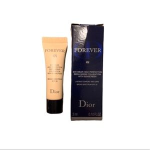 Dior High Perfection Skin-Caring Matte Foundation